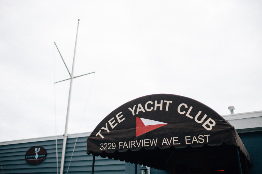 lake union yacht club wedding
