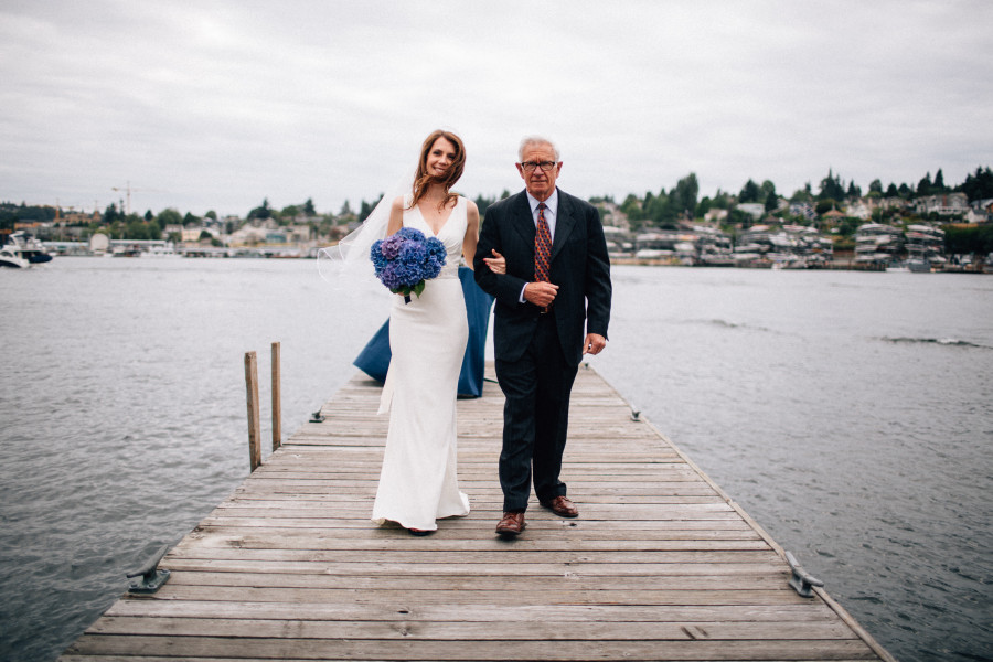 lake union yacht club wedding photos