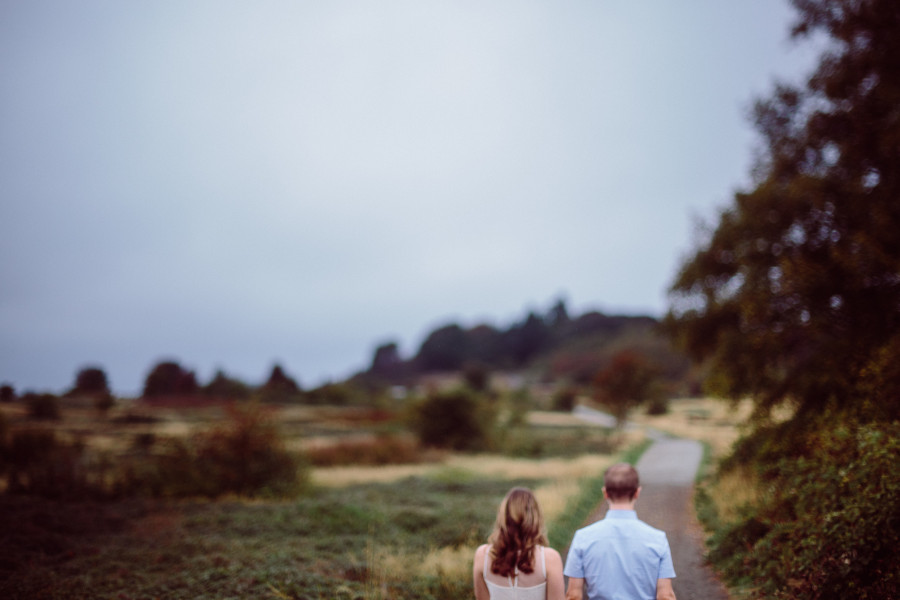 engagement photos at discovery park-013