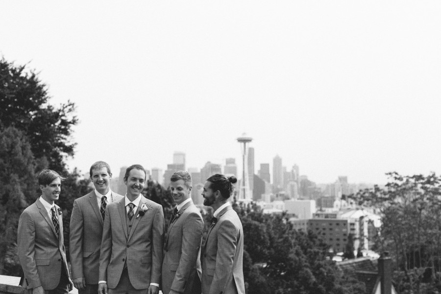 groomsmen kerry park photos