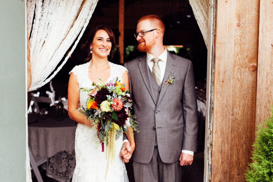 red cedar farm seattle wedding