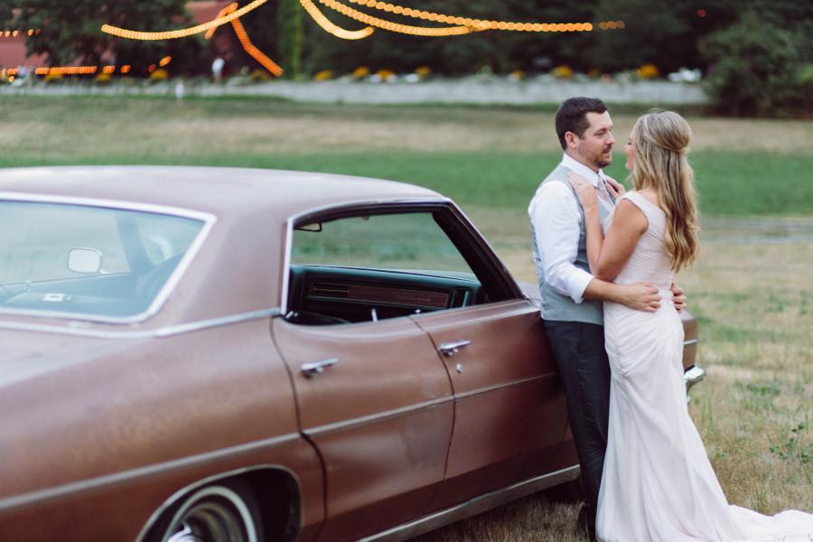 vintage car wedding photos